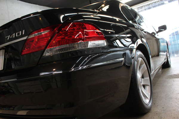 BMW740i ブラックサファイア 右クォーター