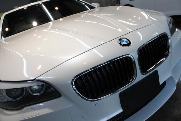 BMW M5 F10 ボンネット右
