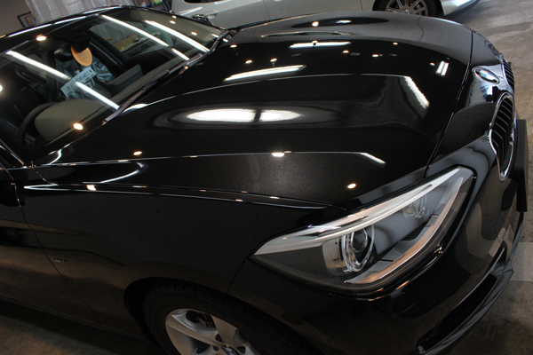 BMW 116i スポーツ(F20)ブラックサファイア 右横