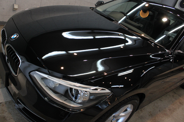 BMW 116i スポーツ(F20)ブラックサファイア 左上