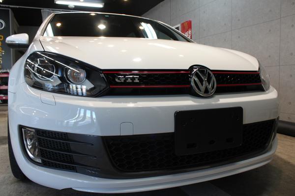 「新車以上の新車へ」フォルクスワーゲン ゴルフGTIのガラスコーティング。