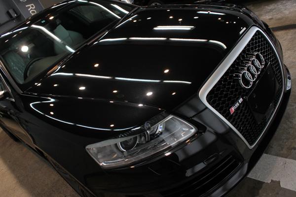 アウディ RS6 ファントムブラックパールエフェクト 右上
