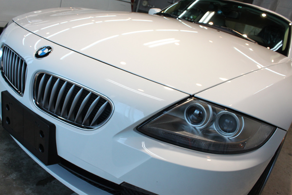 BMW Z4coupe 3.0si (アルピンホワイト3)ボンネット