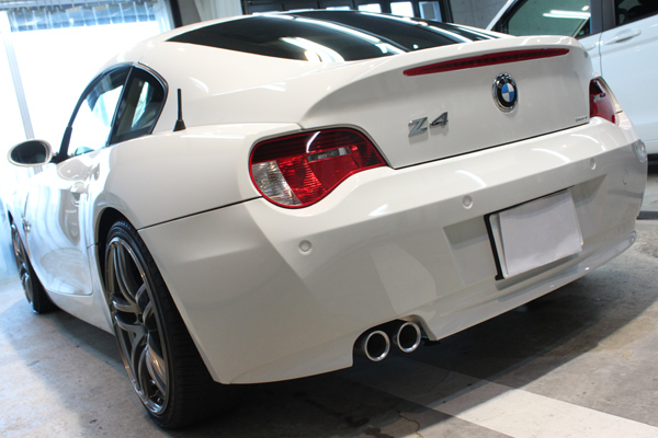 BMW Z4coupe 3.0si (アルピンホワイト3)左後方