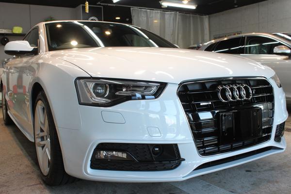 Audi A5 sportback 2.0TFSI quattro S line(グレイシアホワイトメタリック)右正面