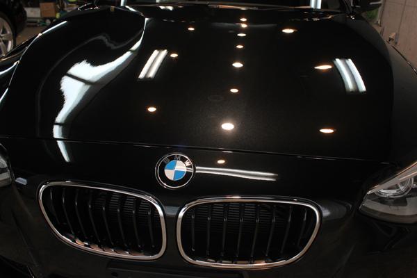 BMW 116i M sport(ブラックサファイア)ボンネット