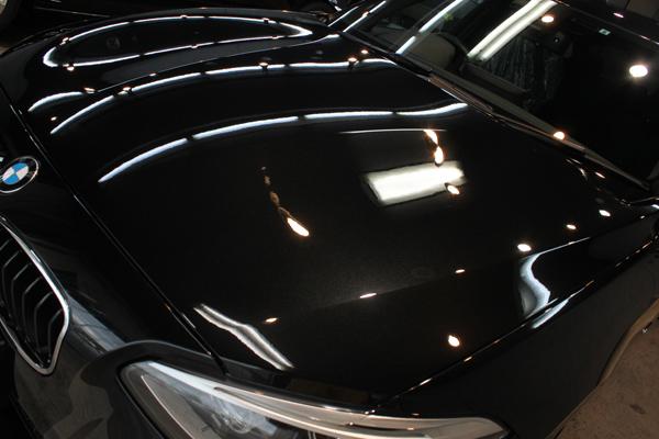 BMW 116i M sport(ブラックサファイア)ボンネット左