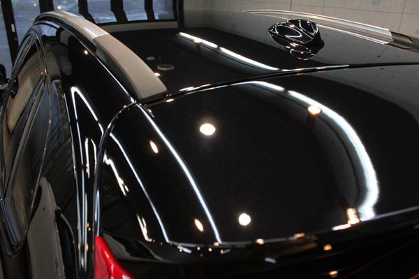 ボルボV40クロスカントリー(ブラックサファイア)ルーフ