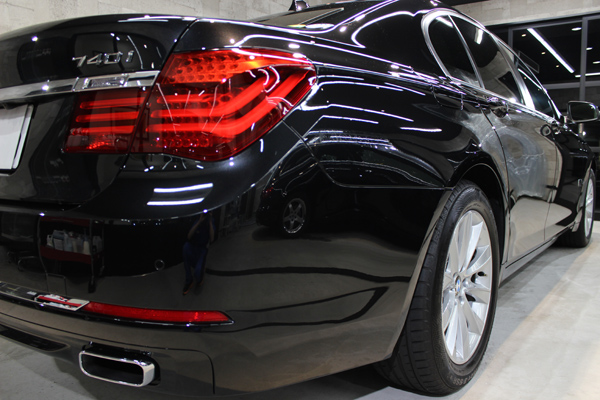 BMW740i(ブラックサファイア)右クォーター
