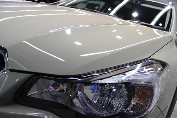 スバル XV(デザートカーキ)左ヘッドライト