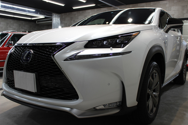 力強さと洗練のデザイン レクサスNXのカーコーティング