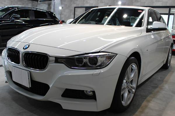 BMW320d正面左