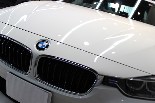 BMW320dボンネット