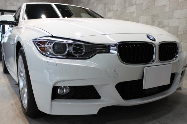 BMW320d正面右