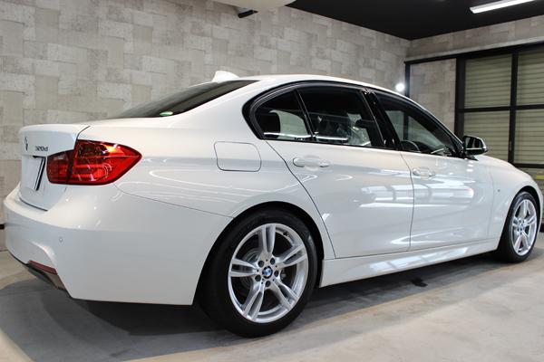 BMW320d右側面