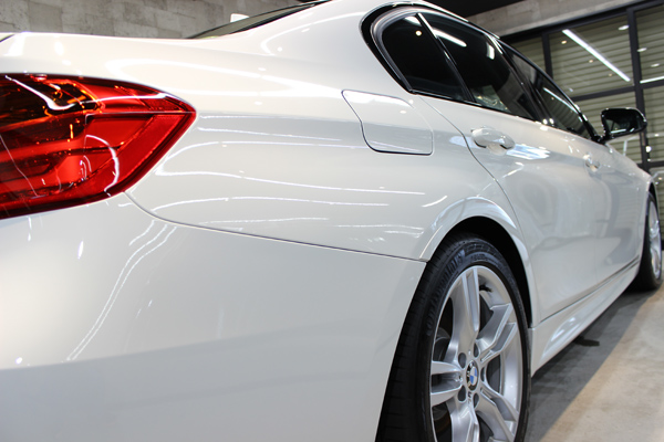 BMW320d右クォーター