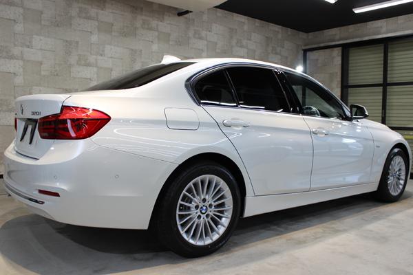 BMW320ixDrive右側面