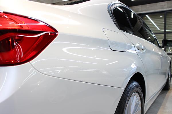 BMW320ixDrive右クォーター