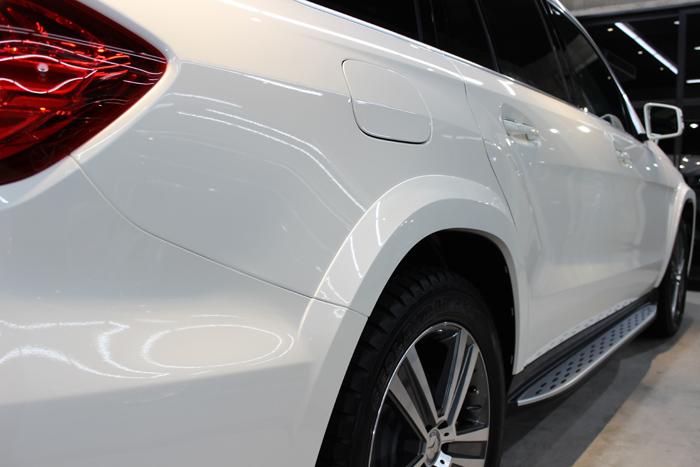 メルセデスベンツ GLS 350d 4マチック スポーツ ダイヤモンドホワイト 右ドア