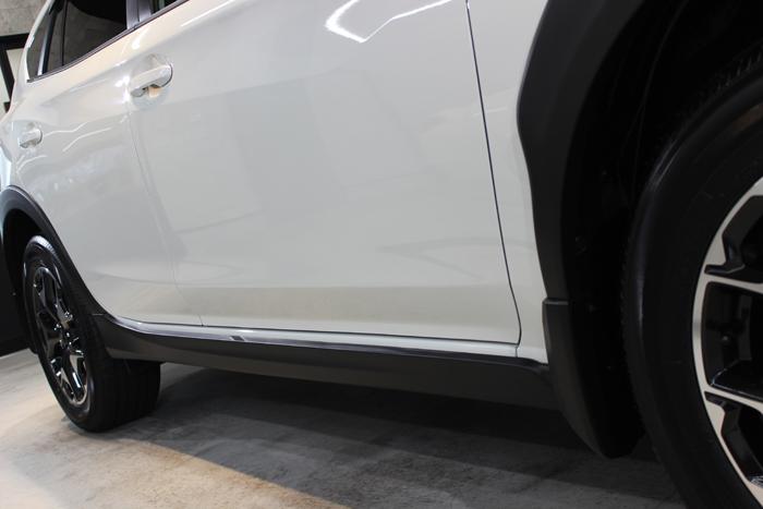 スバル インプレッサXV クリスタルホワイトパール 右ドア1