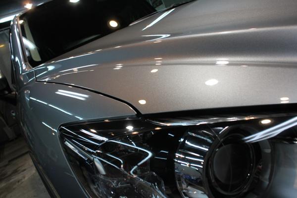 マツダ CX-5(アルミニウムメタリック)右ヘッドライト