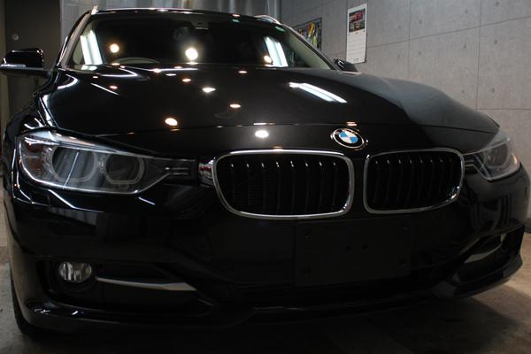 BMW 320d ブルーパフォーマンス ツーリング(ブラックサファイア)正面