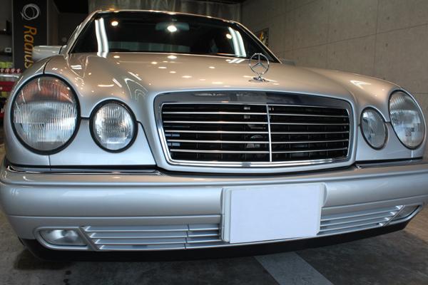メルセデスベンツ E400 (W210) アヴァンギャルド ブリリアントシルバー 正面