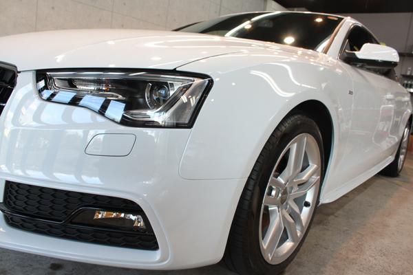Audi A5 sportback 2.0TFSI quattro S line(グレイシアホワイトメタリック)左フェンダ