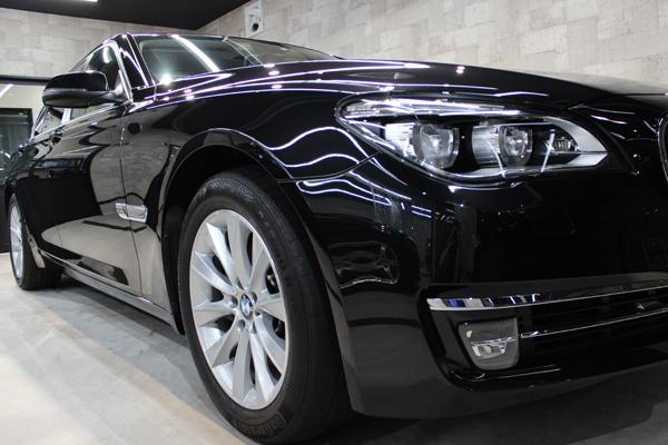 BMW740i(ブラックサファイア)右フェンダ