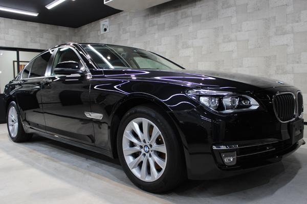 BMW740i(ブラックサファイア)右サイド前方