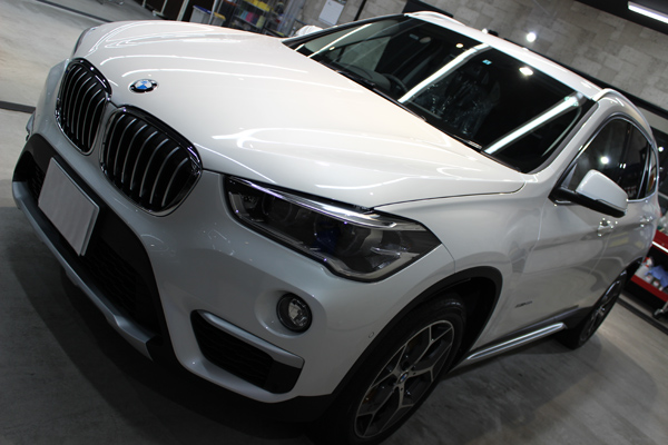 BMW X1左側面