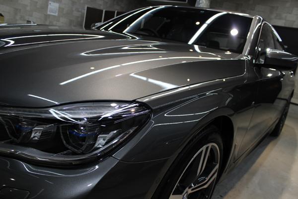 BMW 740i Mスポーツ マジェリングレーメタリック ヘッドライト