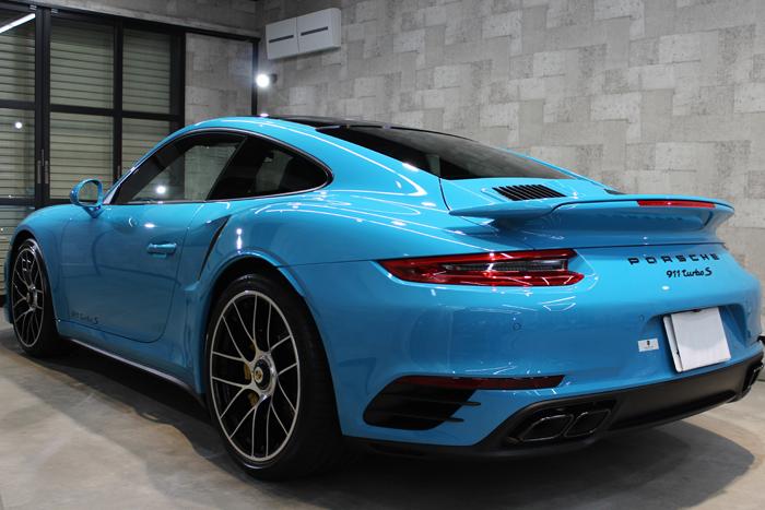 ポルシェ 911 ターボS マイアミブルー エンジンフード
