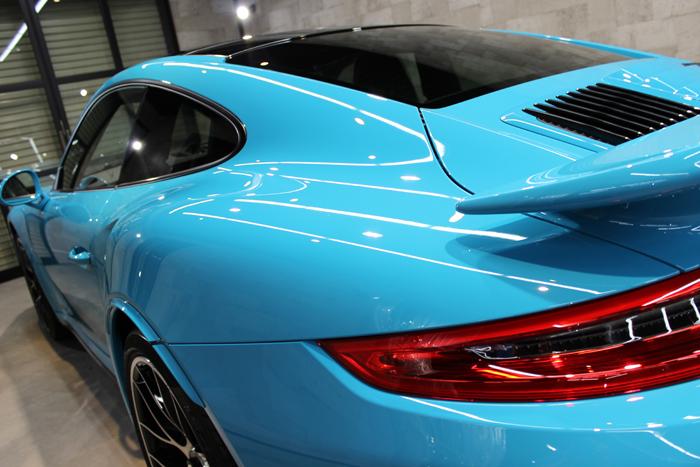 ポルシェ 911 ターボS マイアミブルー テールレンズ