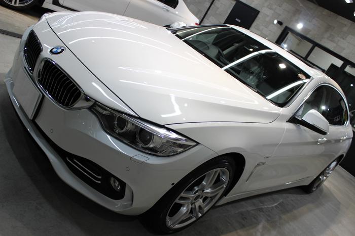 BMW 420i グランクーペ ミネラルホワイト ボンネット1