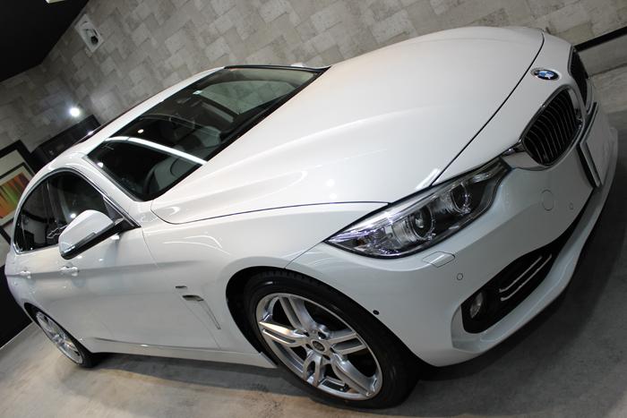 BMW 420i グランクーペ ミネラルホワイト ヘッドライト