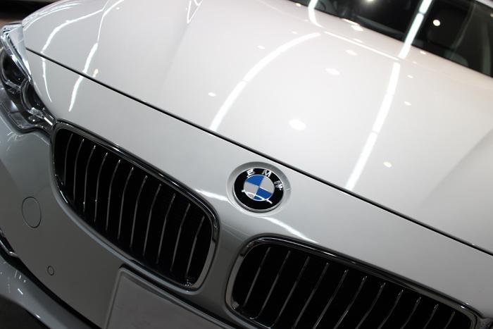 BMW 420i グランクーペ ミネラルホワイト ボンネット2