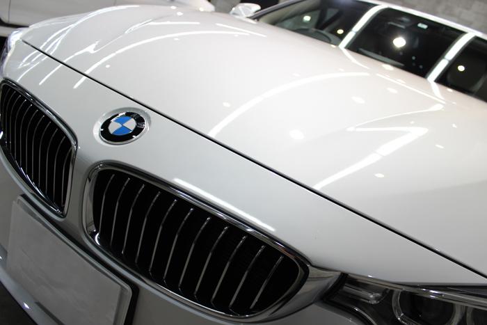 BMW 420i グランクーペ ミネラルホワイト キドニーグリル