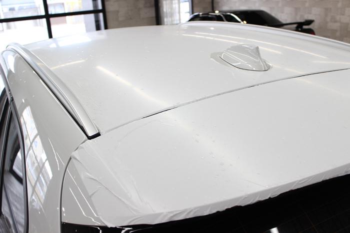 BMW X1 ミネラルホワイト ルーフ