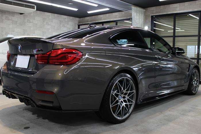 BMW M4 シャンパンクオーツ マフラー