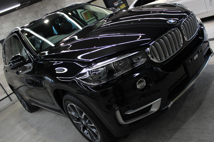 BMW X5 xDrive35d ブラックサファイア ボンネット2