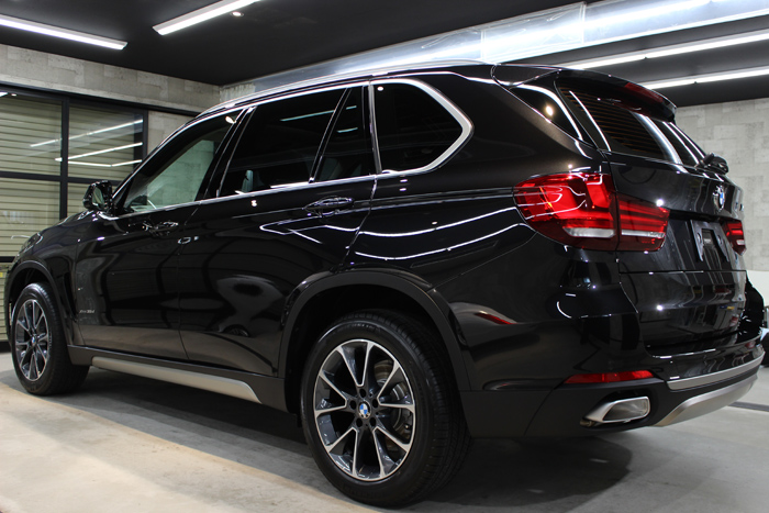 BMW X5 xDrive35d ブラックサファイア リアバンパー
