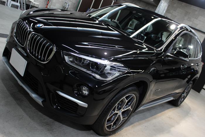 BMW X1 ブラックサファイア ボンネット1