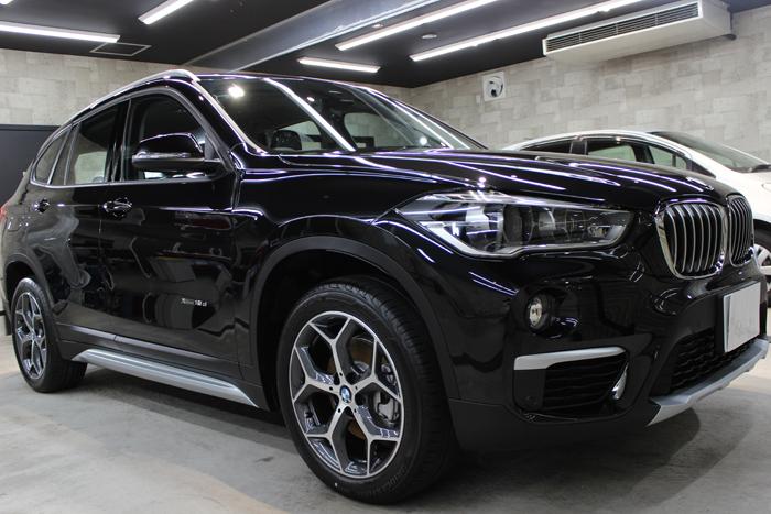 BMW X1 ブラックサファイア フロントバンパー右