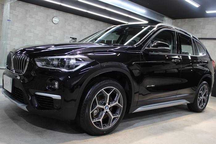 BMW X1 ブラックサファイア ホイール左
