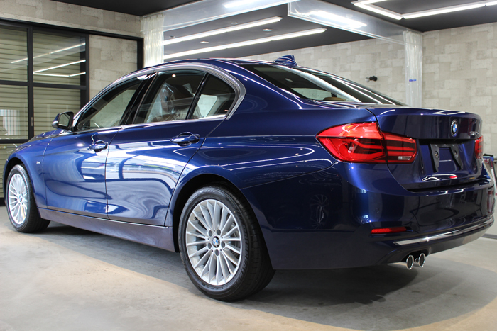 BMW 320d ラグジュアリー メディテラニアンブルー リアバンパー