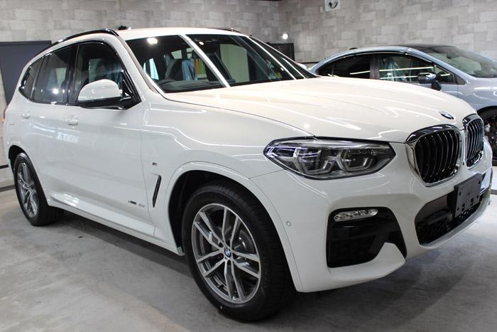 BMW X3 xDrive20i Mスポーツ アルピンホワイト 右ホイール