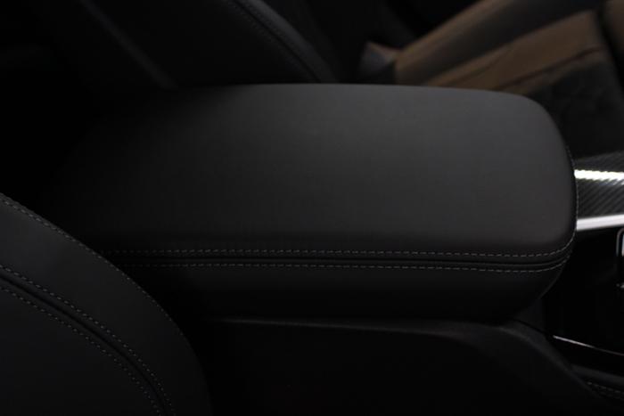 BMW X4 Mコンペティション センターコンソール