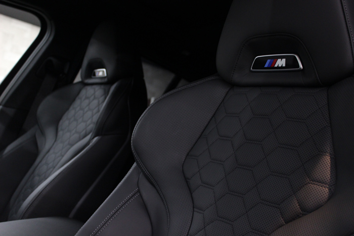BMW X4 Mコンペティション シート メリノレザー 助手席